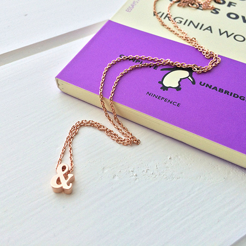 16 Book Lovers and Readers Gifts Under £20 - booklovergifts.com – Ampersand – Rose Gold